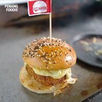 Kamu Mau? Burger Isi Durian Musang King Creamy Plus Mozzarella Mulur