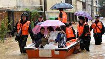 Ribuan Orang di China Terpaksa Mengungsi Akibat Banjir