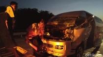 Minibus Asal Kalsel Tabrak Truk di Tol Jombang, 8 Orang Terluka