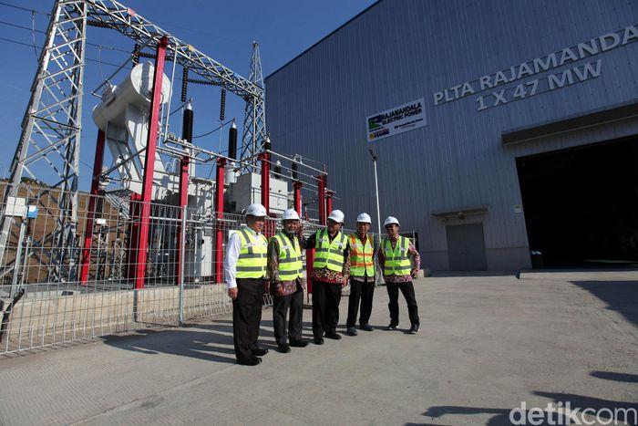 PLTA Rajamandala 47 MW merupakan program pembangunan pembangkit EBT sesuai dengan Rencana Usaha Penyedia Tenaga Listrik (RUPTL) PLN tahun 2019-2028.