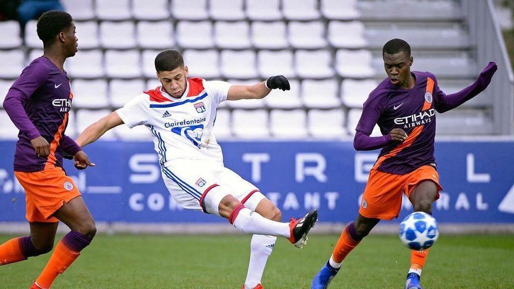 Juventus Gaet Gelandang Muda dari Lyon