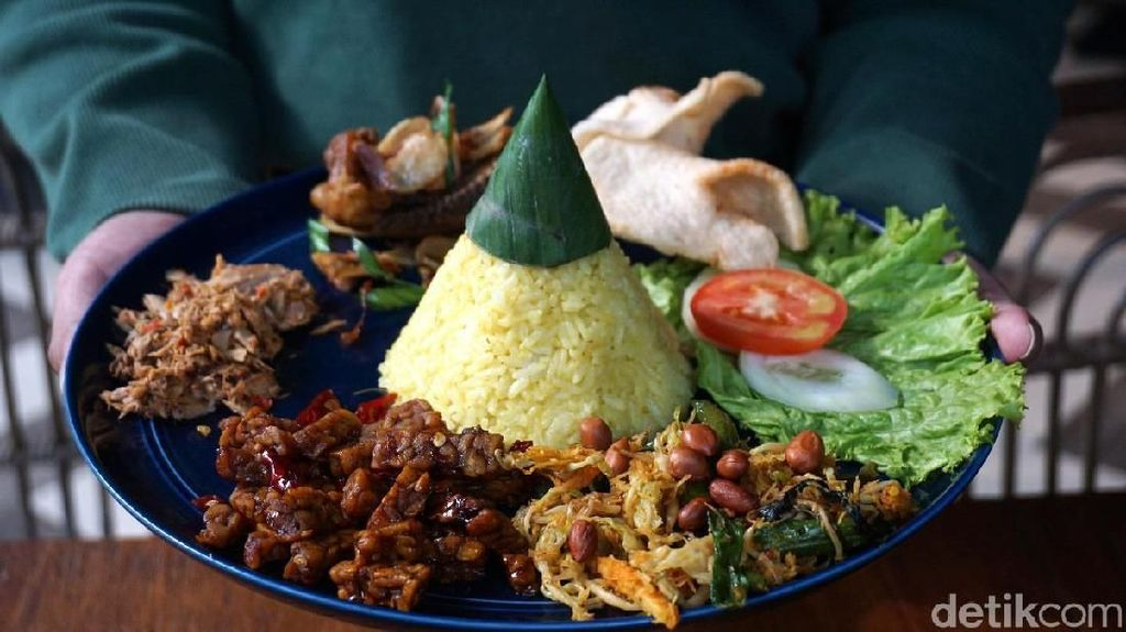 Ada Nasi Tumpeng Mini, Nasi Kapau, hingga Nasi Campur Bali Sedap di 5 Resto Ini