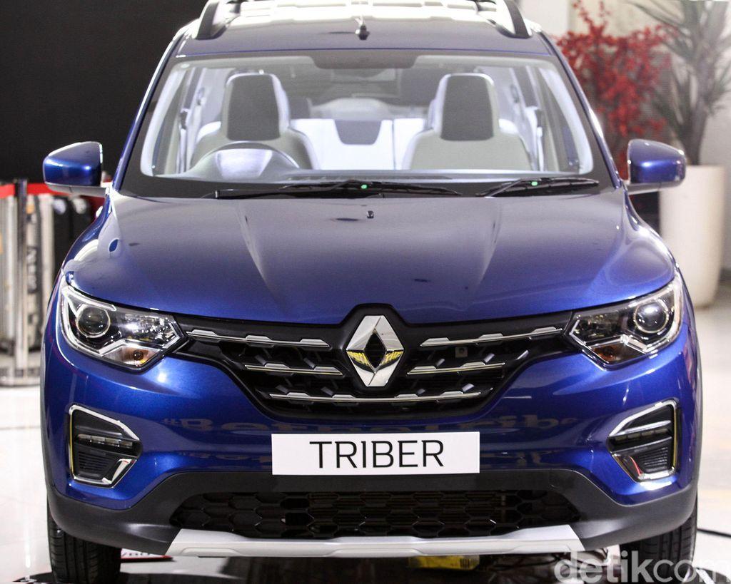 PT Maxindo Renault Indonesia memperkenalkan secara resmi Renault Triber kepada media dalam acara The Exclusive Sneak Peek of The New Renault Triber, di Bintaro, Tangerang, Jum'at (12/7/2019).
