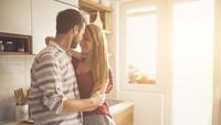 Benarkah Bercinta dengan Posisi Berdiri Bisa Hindari Kehamilan?