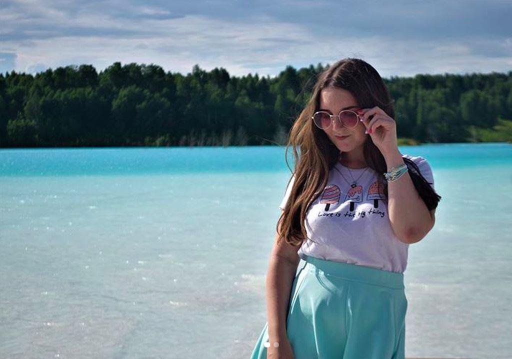 Tapi ternyata di balik penampilan yang memukau, danau tersebut berbahaya. Foto: Instagram