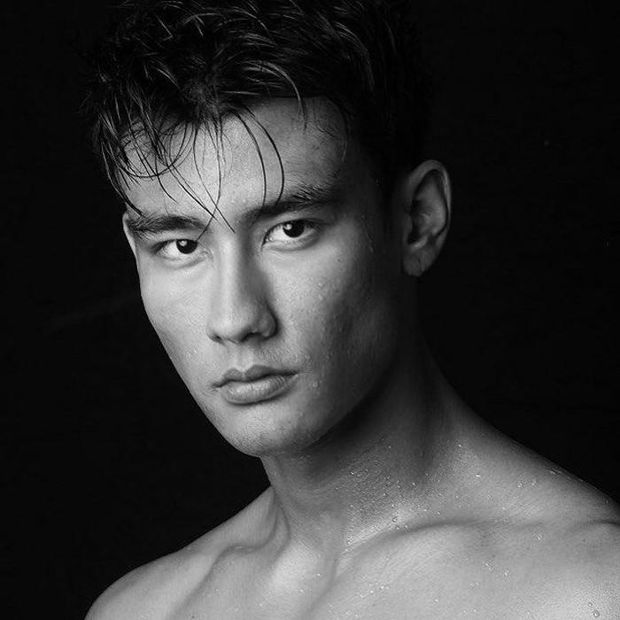 Alex dikenal lewat perannya dalam serial Greys Anatomy. Dalam unggahan terbarunya, Alex mengunggah foto diri dengan keterangan, See you soon Indonesia 🇮🇩 Foto: Instagram alexlandi7