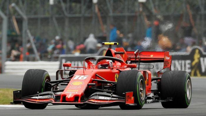 Pebalap Ferrari, Charles Leclerc, menjadi yang tercepat di latihan bebas ketiga GP Inggris. (Foto: John Sibley/Action Images via Reuters)