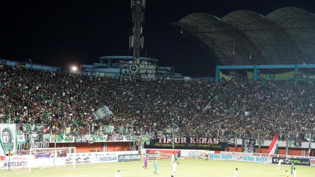 PSS vs Persebaya: Ribuan Bonek Padati Stadion Maguwoharjo