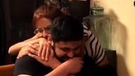 Bikin Haru, Aksi Pria Nyanyikan Lagu Romantis untuk Pacarnya yang Tuli
