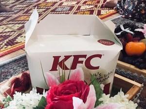 Viral, Pria Bawa Ayam KFC untuk Seserahan Pernikahan