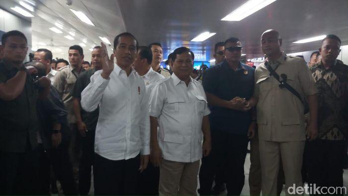 Foto: Jokowi bertemu Prabowo. (Farih-detikcom)