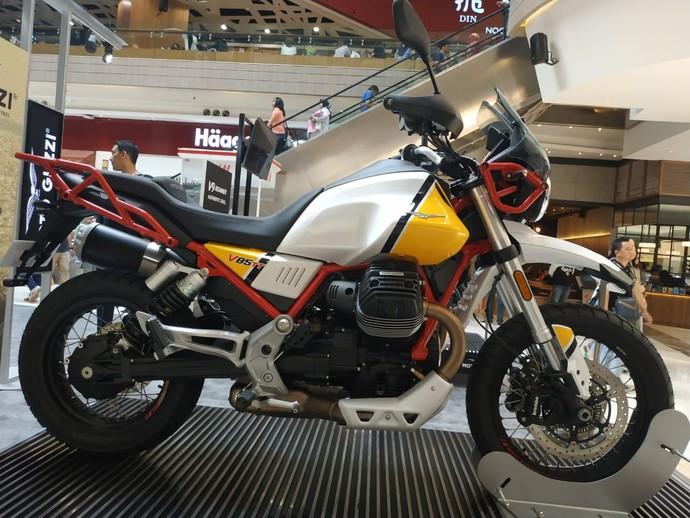 Moto Guzzi V85TT yang Dibanderol Rp 650 Juta