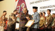 Peringati Hari Koperasi, Kemenkop Beri Penghargaan ke Sejumlah Tokoh