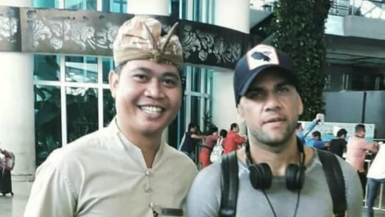 Dani Alves kabarnya liburan ke Indonesia (Istimewa)
