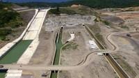 Air yang ditampung di Bendungan Keureuto akan digunakan sebagai penyedia air baku bagi Perusahaan Daerah Air Minum (PDAM) Tirta Monpase, Aceh Utara sebesar 500 liter per detik. Pool/PT Wijaya Karya.