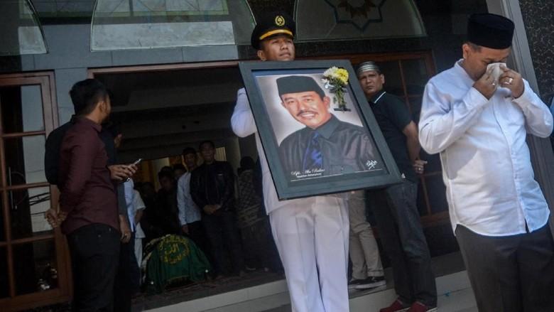 Eks Bupati Bandung Barat Abubakar Tutup Usia