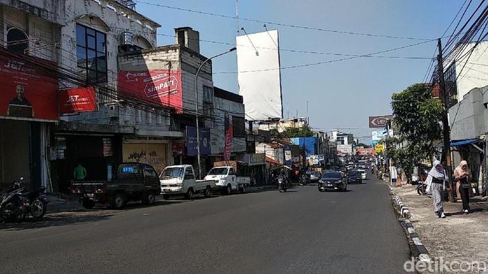 Jalan Sukajadi (Dony Indra Ramadhan/detikcom)