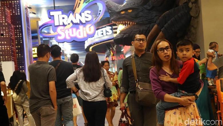 Suasana ramai di Trans Studio Cibubur (Pradita Utama/detikcom)