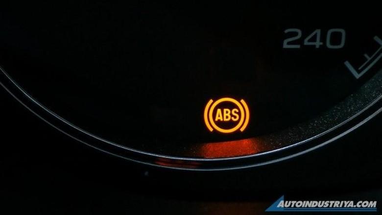 Ilustrasi simbol di dasbor mobil. Foto: Autoindustriya