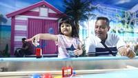 Inilah dia taman rekreasi terbaru di kawasan ibukota, Trans Studio Cibubur Theme Park. Ada wahana Science Center yang sangat edukatif. Anak-anak bisa belajar soal robot, serangga, dan teknologi air. (Rifkianto Nugroho/detikcom)
