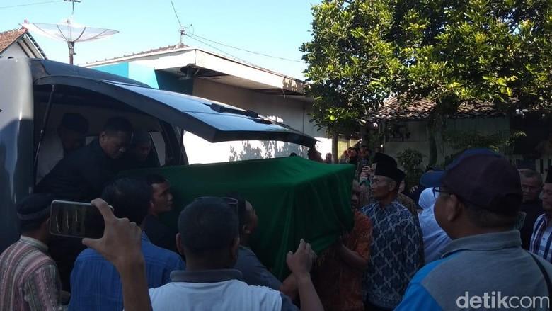 Jenazah Korban Mutilasi Tiba di Temanggung, Tangis Keluarga Pecah