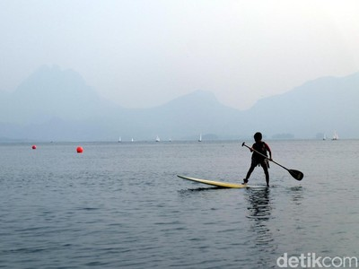 Celebrity on Vacation: Menelusuri Pulau Pasir yang Eksotis  di Leebong Belitung