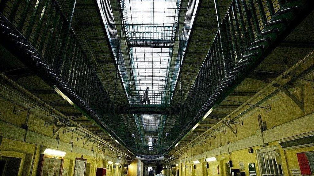 Ketika Sekaleng Ikan Menjadi Mata Uang Bagi Penghuni Penjara