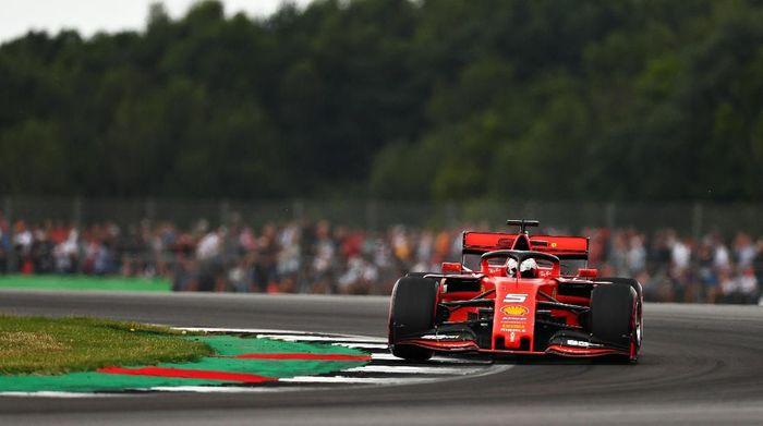 Sebastian Vettel kecewa berat cuma start dari posisi keenam di GP Inggris (Dan Istitene/Getty Images)