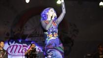Aksi Panggung Jenita Janet Goyang Warga Kota Rambutan