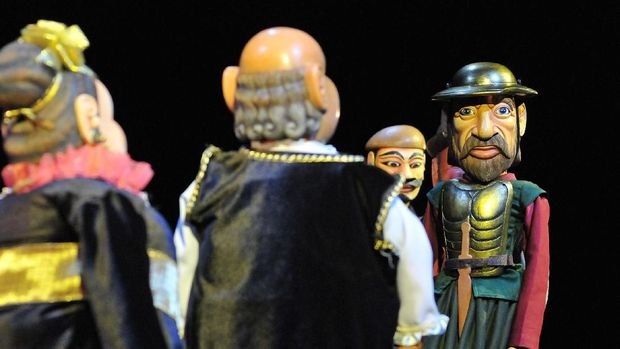 Pertunjukan 'Den Kisot' di Komunitas Salihara