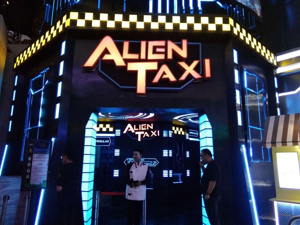 Alien Taxi di Trans Studio Cibubur