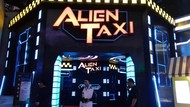 Mau Coba Sensasi Naik Alien Taxi? Datang ke Trans Studio Cibubur Yuk!