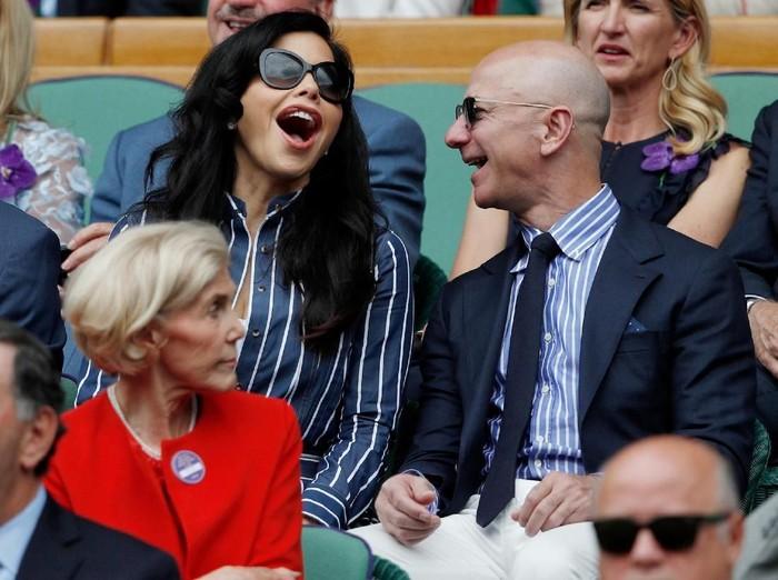 Lauren Sanchez dan Jeff Bezos. Foto: Reuters