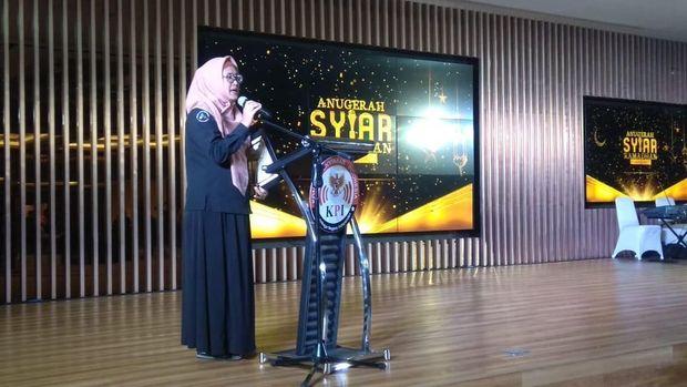 Eksekutif Produser Menjemput Berkah, Esty Nuryaningsih memberikan sambutan.