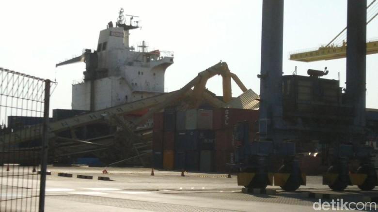 Pelindo III Jamin Pelayanan Tetap Jalan Pasca Crane Roboh