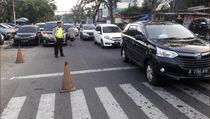 Hari Pertama Sekolah, Sejumlah Titik Lalu Lintas Jakarta Tersendat