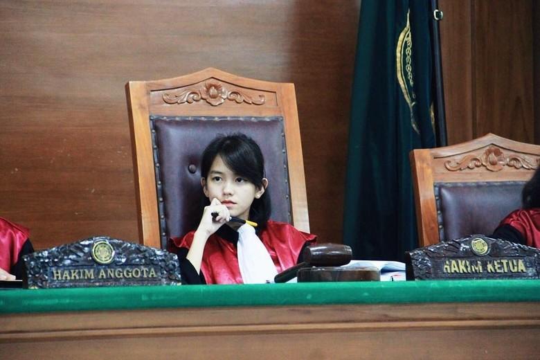 5 Fakta Leanna Leonardo, Calon Hakim Cantik yang Viral di Medsos/Foto: Dok. Twitter @MatthewTanoe