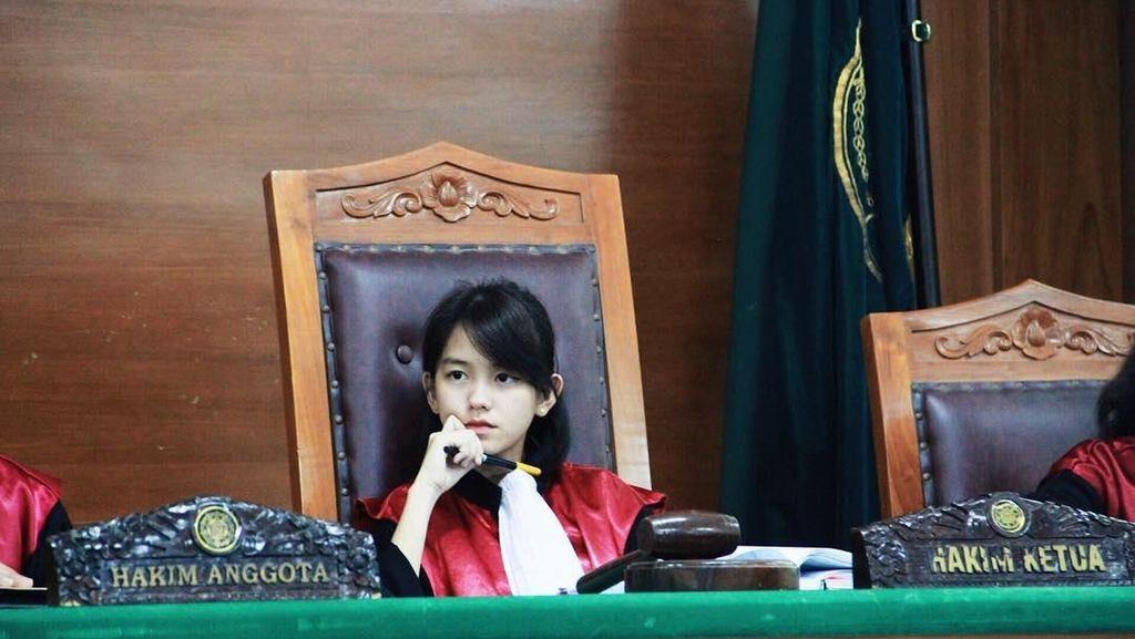 5 Fakta Leanna Leonardo, Calon Hakim Cantik yang Viral di Medsos