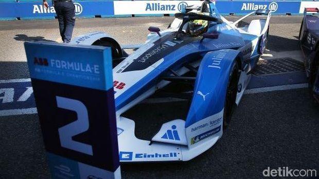 Mobil Balap Formula E BMW