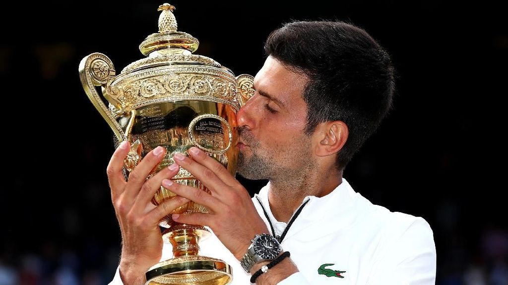 Djokovic Samai Rekor Federer dan Nadal, Ini Beda Gaya Jam Tangan Mewahnya