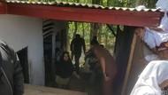 Komite Sekolah Sempat Larang Guru Honorer SD di Pandeglang Tinggal di WC
