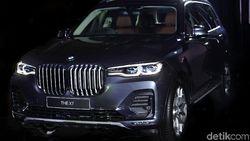 BMW X7 Versus Range Rover Velar