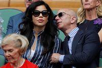 Lauren Sanchez dan Jeff Bezos yang terlihat mesra saat menonton Wimbledon