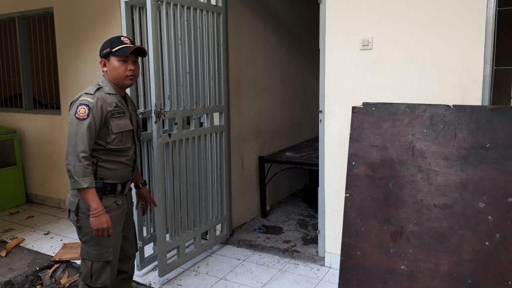Diamankan Satpol PP Bali, Wanita Ini Coba Kabur dan Ngamuk Lempari Genting