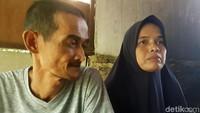Bersama suaminya, Ebi Husaebi (46), keduanya memanfaatkan toilet sekolah sejak dua tahun lalu.