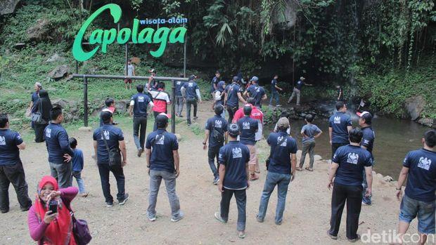 Touring menuju wisata alam Capolaga, Subang