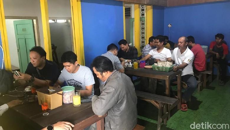 Rekonsiliasi Jokowi dan Prabowo, Kafe di Jember Beri Diskon 50%