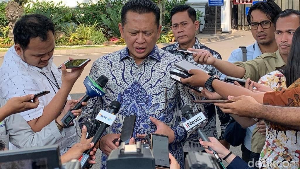 Bertemu Jokowi Naik Tesla, Bamsoet Mengaku Tak Minta Restu Caketum Golkar