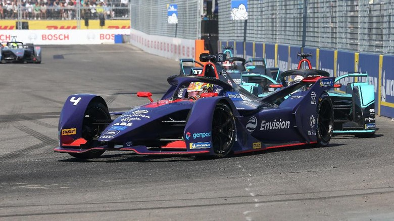 Mobil balap listrik di Formula E Foto: Getty Images