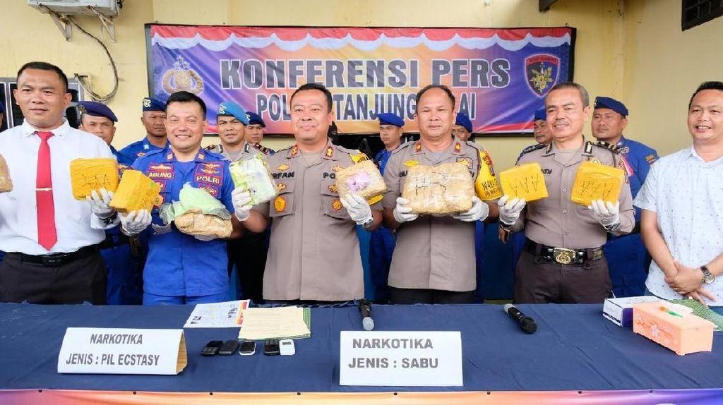 Polres Tanjung Balai Gagalkan Penyelundupan 9,6 Kg Sabu dan Ribuan Ekstasi